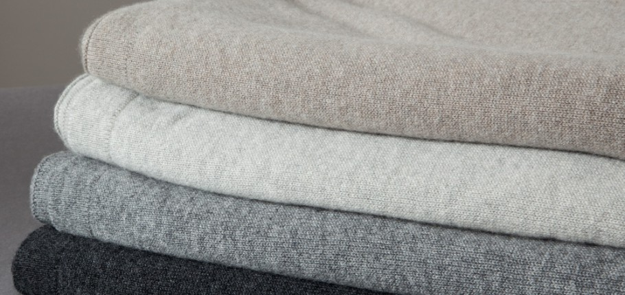 Cashmere-Jersey-Throws-910x430