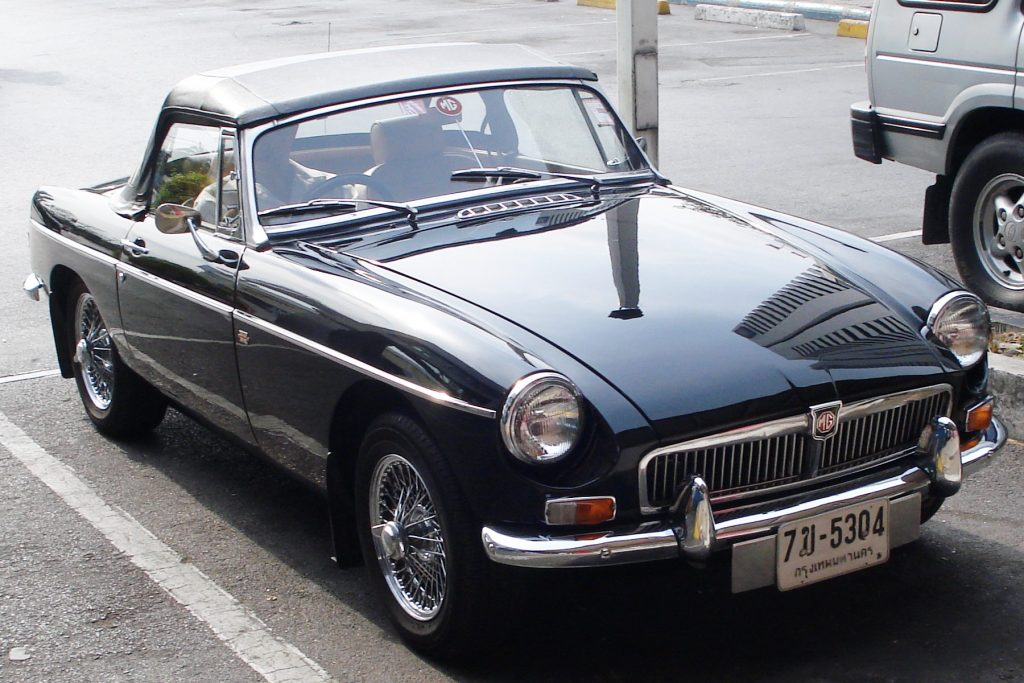 I never know what will show up outside my local supermarket. In this case a good looking early 1960's MG B convertable.